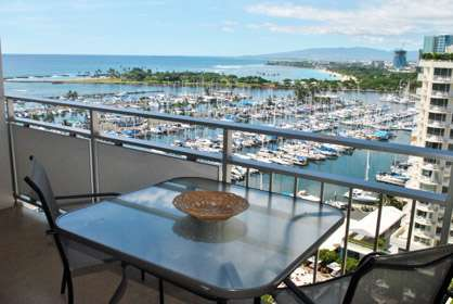 Beautiful Lanai Views!