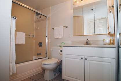 Master Bath with Tub/Shower