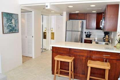 Spacious Entry & Kitchen