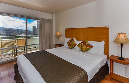 King Bed with City Views