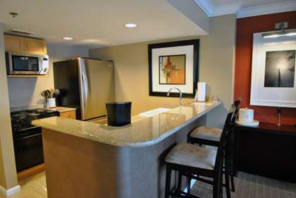 Granite Kitchen / Breakfast Bar