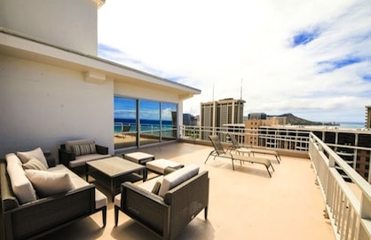 The Best Entertaining Balcony in Waikiki