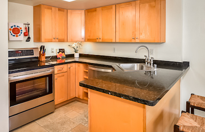 Granite Kitchen with Dishwasher