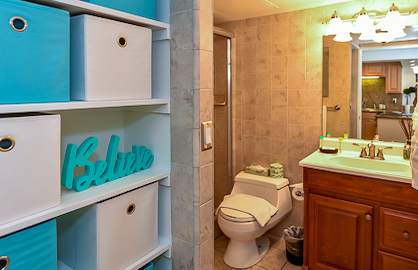 Beach Theme Bathroom - Walk-  in Shower