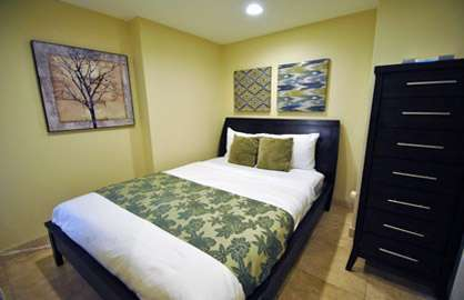 Cozy Interior 2nd Bedroom - Queen